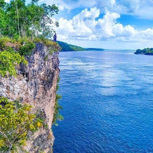 Tebing Puncak Kolagana Kota BauBau SulTeng