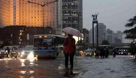 Jakarta Diguyur Hujan Deras, Sejumlah Lokasi Tergenang