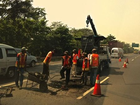 Sabtu Besok, Sebagian Tol Jakarta-Cikampek Tutup