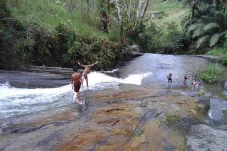 Objek Wisata Waterboom Batu Alam Tana Toraja